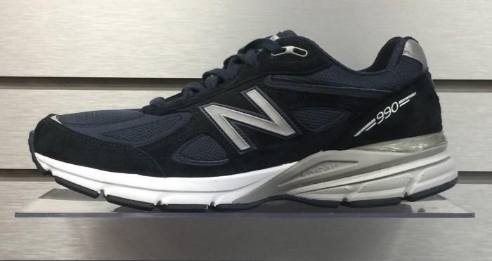 New Balance M990NV4